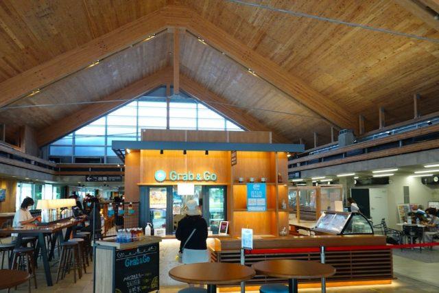 下地島空港ターミナルのカフェ