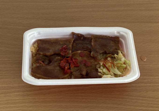 かつおだし香る豚肉の生姜焼き重
